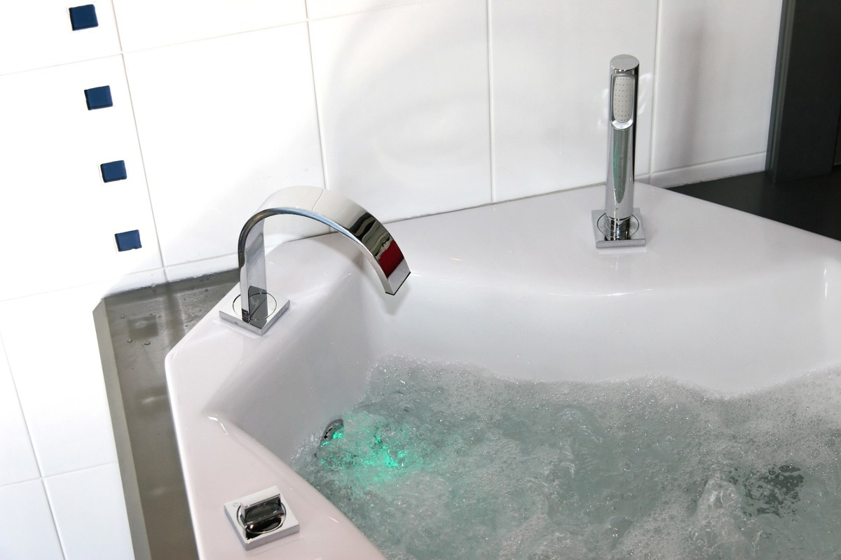 Installation de baignoire balnéothérapie à Montpellier