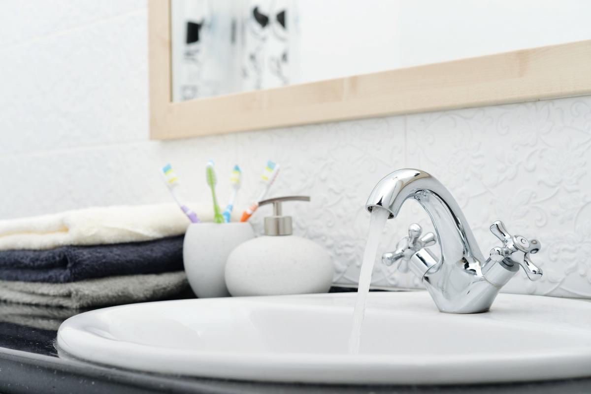 Comment purifier l'eau potable de ma maison?